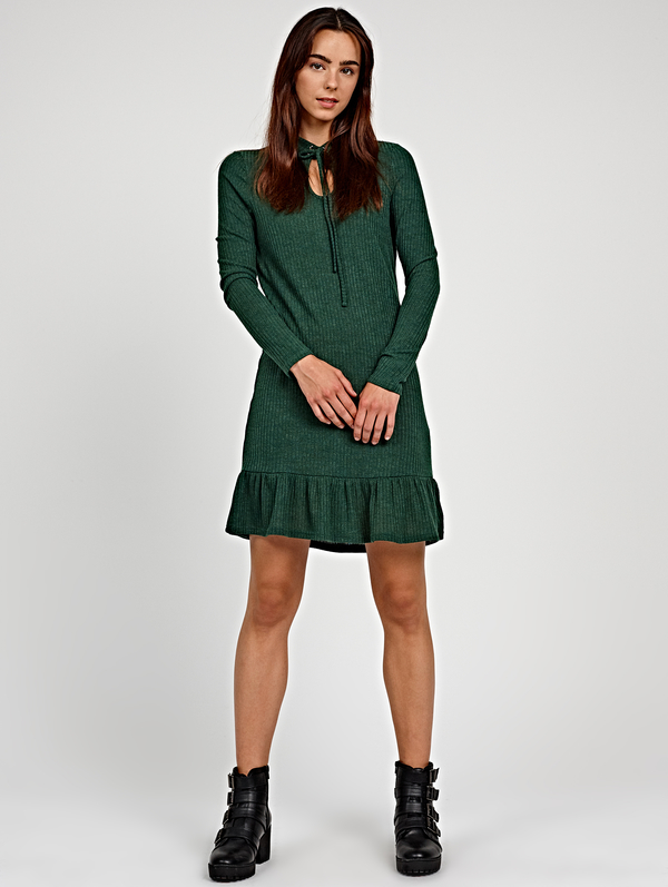 Zielona sukienka Gate w stylu casual mini z długim rękawem