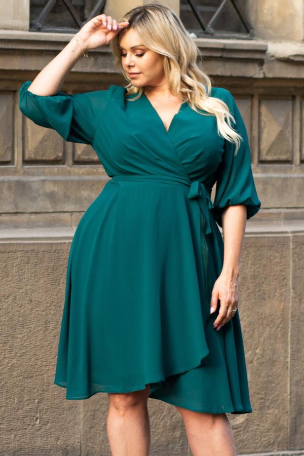 Zielona sukienka KARKO kopertowa z dekoltem w kształcie litery v