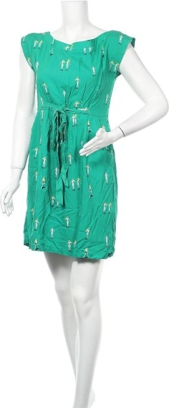 Zielona sukienka Lois prosta z krótkim rękawem z okrągłym dekoltem