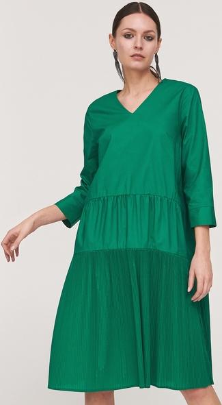 Zielona sukienka Reserved midi z długim rękawem z dekoltem w kształcie litery v