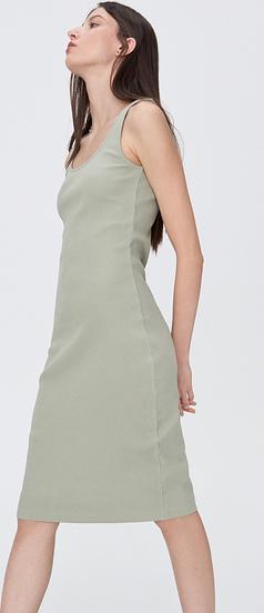 Zielona sukienka Sinsay dopasowana