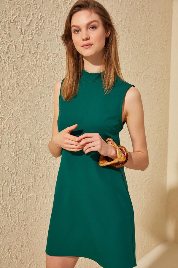Zielona sukienka Trendyol z okrągłym dekoltem bez rękawów