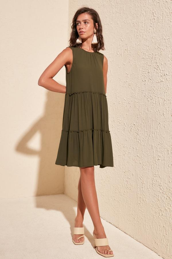 Zielona sukienka Trendyol z okrągłym dekoltem