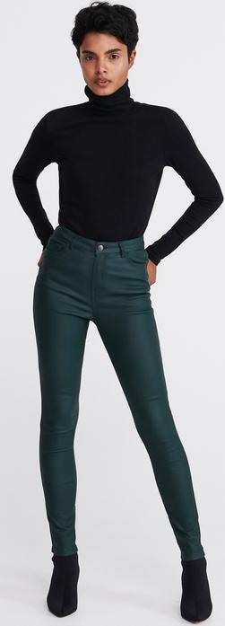 Zielone spodnie Reserved w rockowym stylu