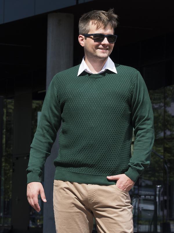 Zielony sweter M. Lasota z bawełny
