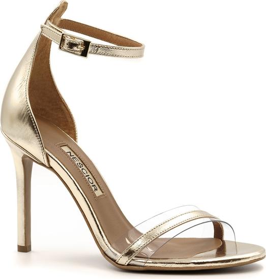 Złote sandały Neścior