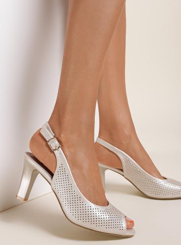 Złote sandały Renee z klamrami na szpilce