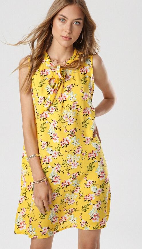 Żółta sukienka born2be bez rękawów mini w stylu casual