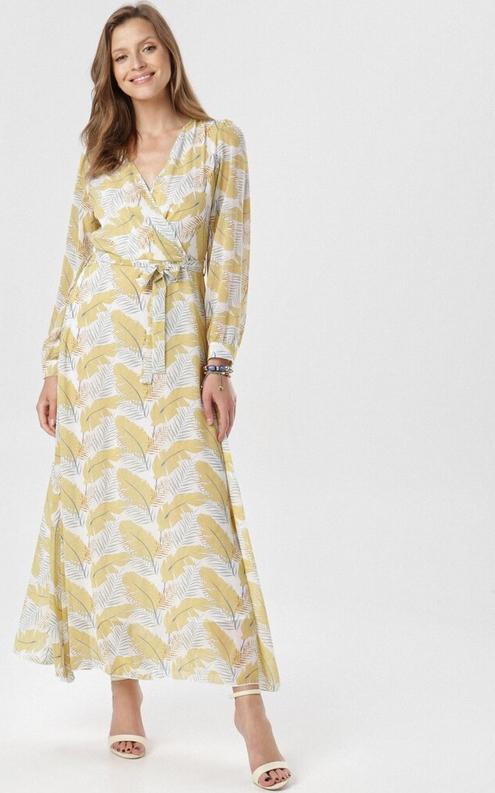 Żółta sukienka born2be maxi z dekoltem w kształcie litery v