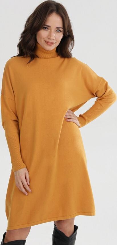 Żółta sukienka born2be oversize mini