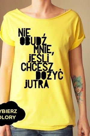 Żółty t-shirt ONE MUG A DAY w młodzieżowym stylu