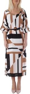 Sukienka Olivia Hops z długim rękawem w stylu casual
