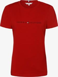 Czerwony t-shirt Tommy Hilfiger z nadrukiem w młodzieżowym stylu z okrągłym dekoltem