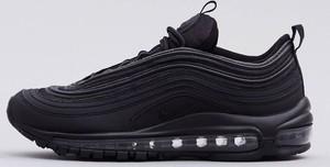 Czarne buty sportowe Nike sznurowane w sportowym stylu z płaską podeszwą