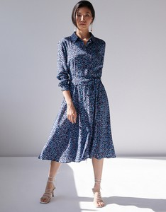 Niebieska sukienka Mohito midi szmizjerka