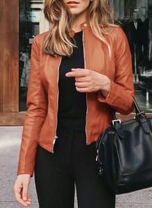 Brązowa kurtka Sandbella ze skóry w stylu casual
