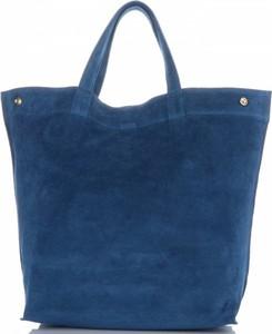Granatowa torebka Vera Pelle z zamszu