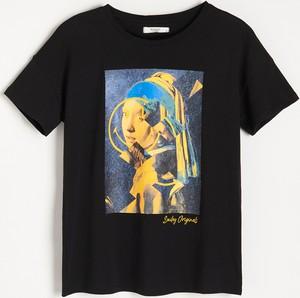 Czarny t-shirt Reserved z okrągłym dekoltem z krótkim rękawem