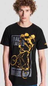 T-shirt Cropp w młodzieżowym stylu z krótkim rękawem