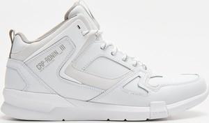 Cropp - Sneakersy Ronin z naturalnej skóry - Biały