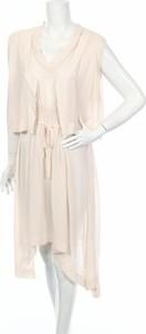 Różowa sukienka Eplisse bez rękawów maxi