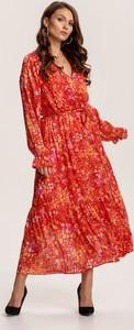 Czerwona sukienka Renee z dekoltem w kształcie litery v z długim rękawem