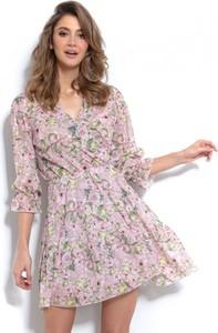 Różowa sukienka Fobya z długim rękawem mini