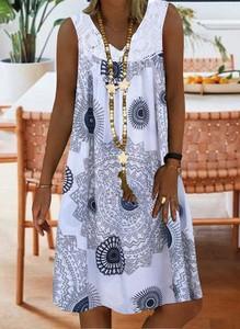 Niebieska sukienka Cikelly z dekoltem w kształcie litery v w stylu casual