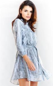 Niebieska sukienka Awama rozkloszowana z długim rękawem w stylu casual
