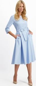 Niebieska sukienka Lavard z tkaniny z długim rękawem w stylu casual