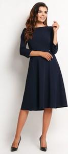 Granatowa sukienka Awama rozkloszowana