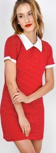 Czerwona sukienka Zoio z kołnierzykiem mini dopasowana