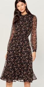 Sukienka Mohito z okrągłym dekoltem