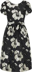 Sukienka Apart z krótkim rękawem