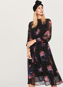 Sukienka Reserved koszulowa w stylu casual z okrągłym dekoltem