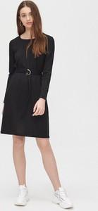 Czarna sukienka Cropp z długim rękawem
