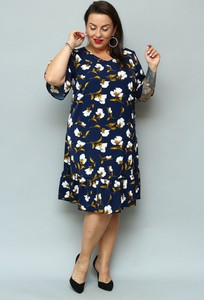 Sukienka KARKO z okrągłym dekoltem dla puszystych