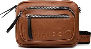 Brązowa torebka Desigual w młodzieżowym stylu