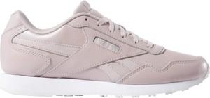 Różowe buty sportowe Reebok ze skóry z płaską podeszwą