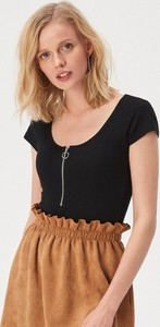 Czarna bluzka Sinsay z krótkim rękawem w stylu casual