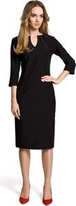 Sukienka Made Of Emotion prosta z długim rękawem z dekoltem w kształcie litery v