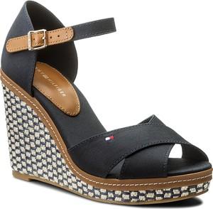 Czarne sandały tommy hilfiger ze skóry w stylu boho