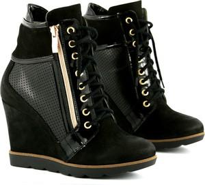 54668b99 Sneakersy, kolekcja lato 2019
