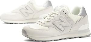 Buty sportowe New Balance z płaską podeszwą w sportowym stylu sznurowane