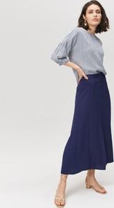 72c9ea10b71977 Niebieska bluzka FEMESTAGE Eva Minge z bawełny z długim rękawem z dekoltem  w kształcie litery v