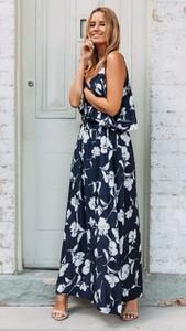 Niebieska sukienka noshame maxi
