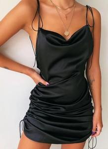 Sukienka Cikelly dopasowana
