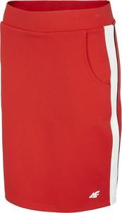 Spódnica 4F w sportowym stylu