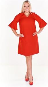 Czerwona sukienka Fokus midi z krótkim rękawem z dekoltem w kształcie litery v