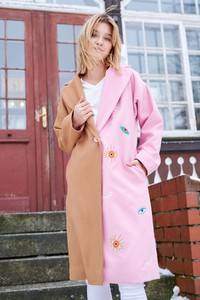 Różowy płaszcz Naoko z wełny w stylu casual